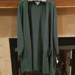 Woman's Solid Green Cardigan